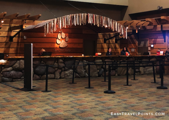 the front lobby of the Great Wolf Lodge